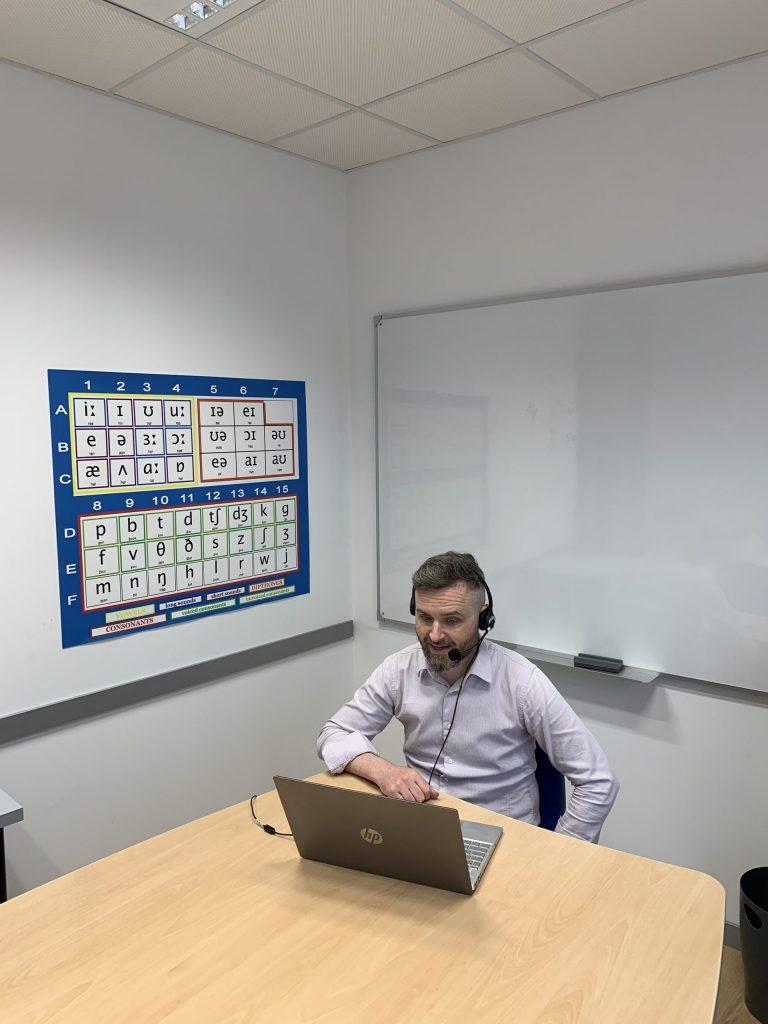 cursos de ingles online en grupo